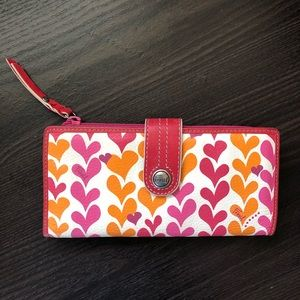 Fossil Hearts Weekender Clutch Wallet